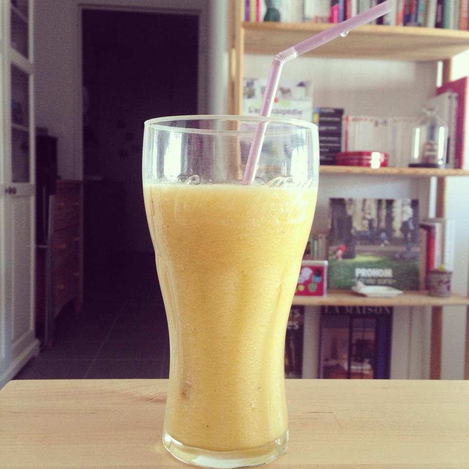 Smoothie orange banane pomme citron