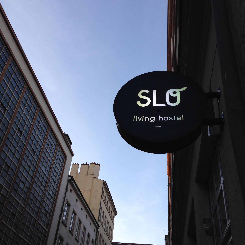 Enseigne Slo Hostel