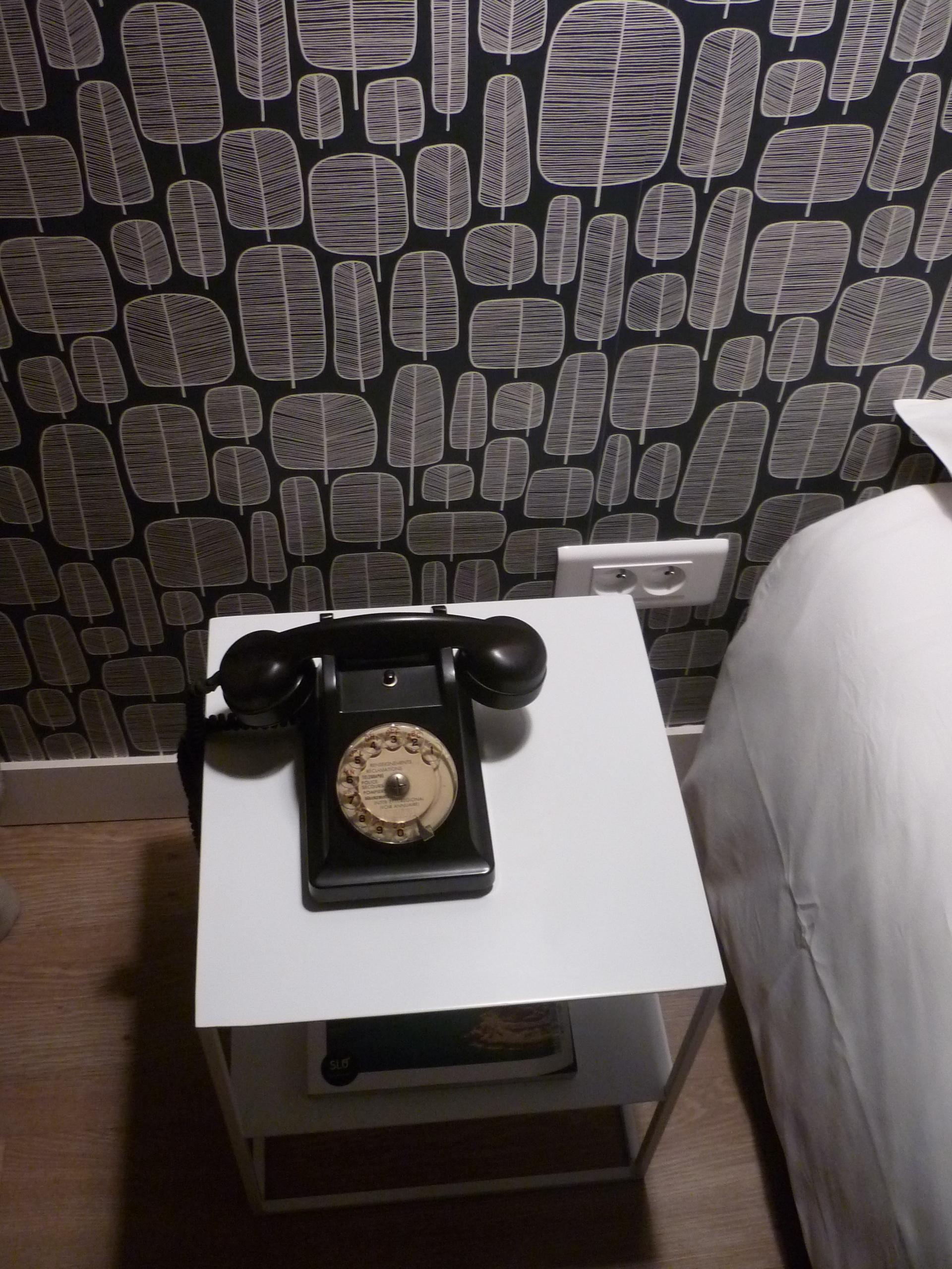 Téléphone vintage Slo Hostel
