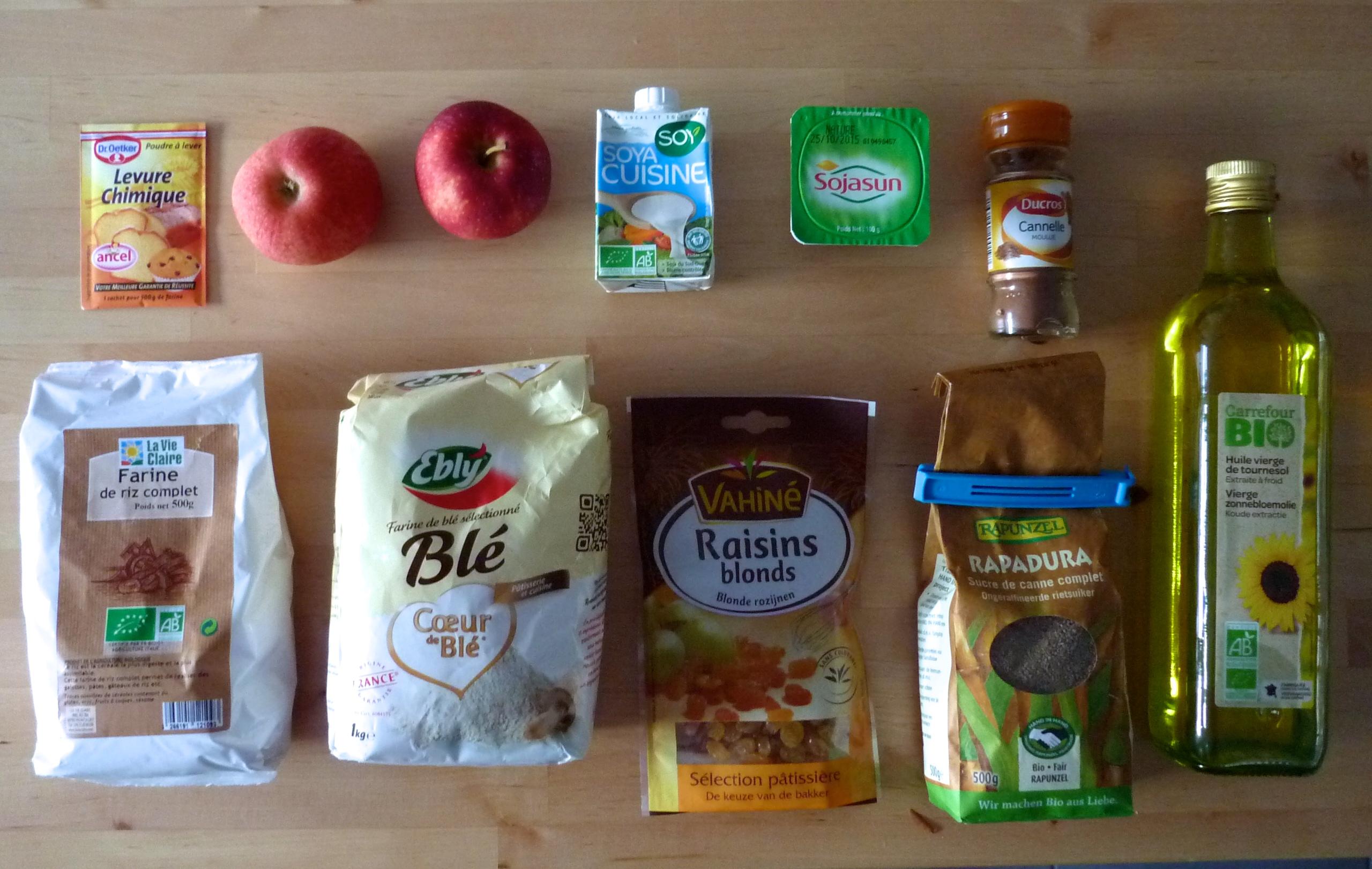 Ingrédients gâteau au yaourt et aux pommes