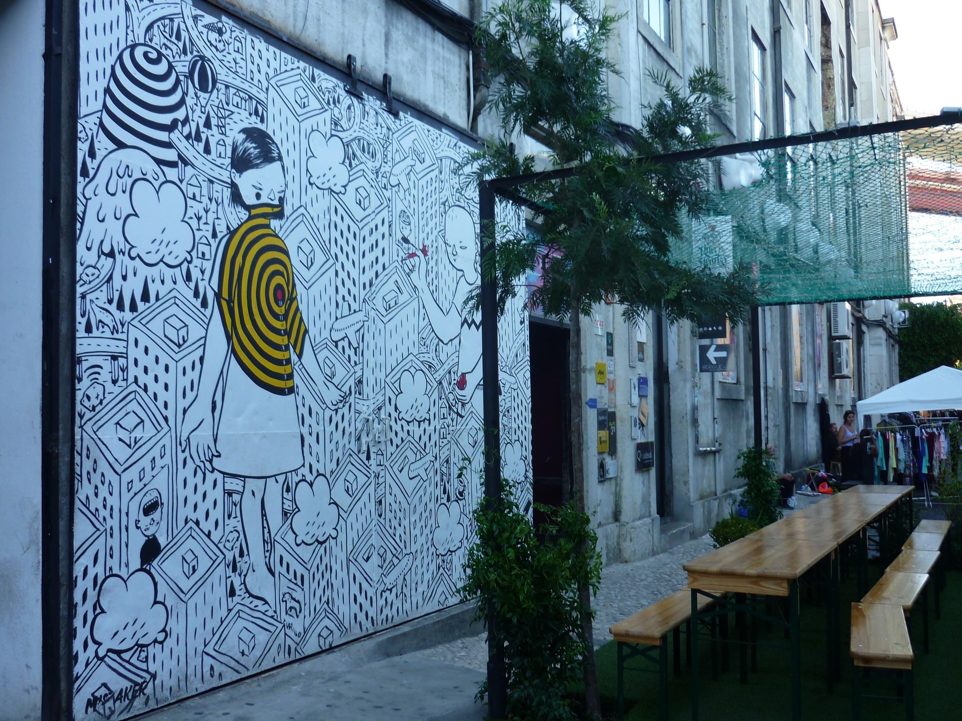 street-art-lx-factory